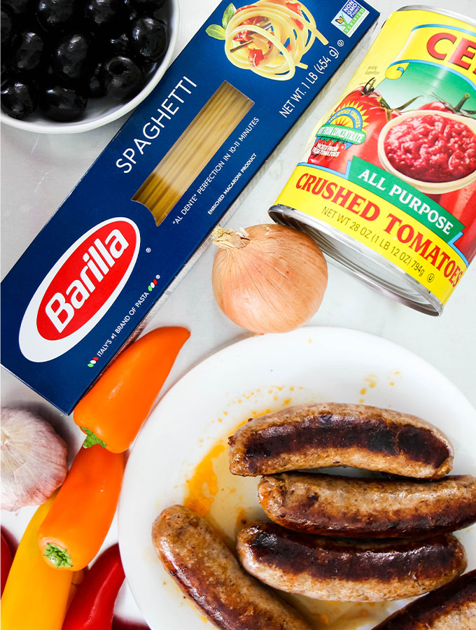 Hot Sausage and Pepper Pasta ingredients are displayed individually.