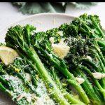 Lemon garlic broccolini Pinterest graphic.